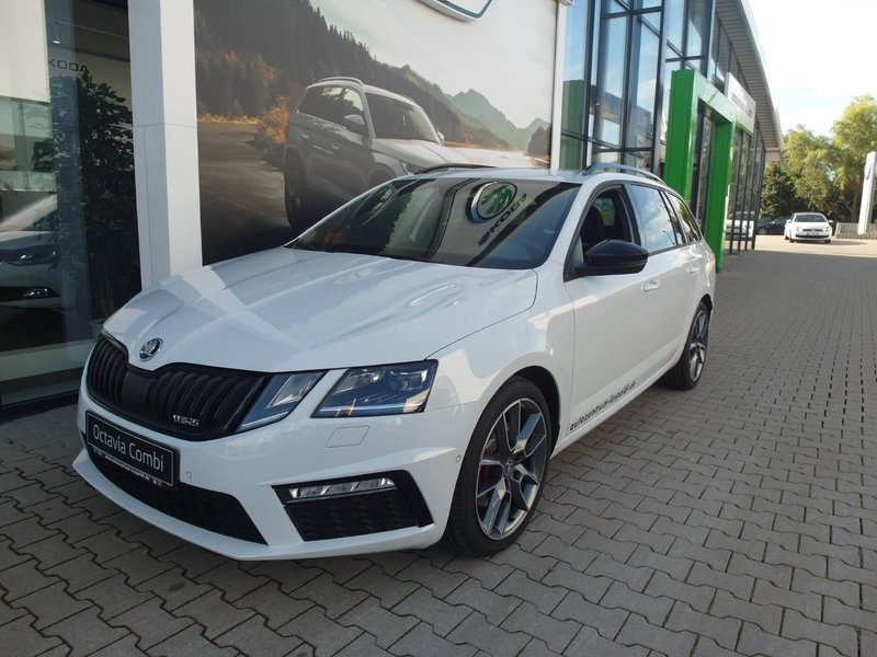 skoda octavia combi rs 2 0 tdi dsg jahreswagen kaufen in. Black Bedroom Furniture Sets. Home Design Ideas